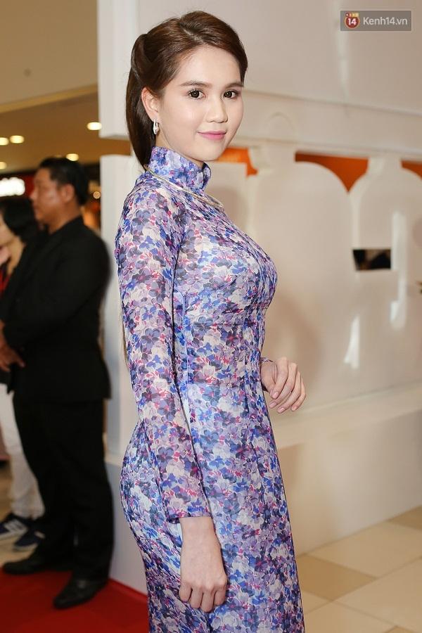 Ngọc Trinh hóa thân thành quý cô Sài Gòn xưa nổi bật giữa sự kiện - Ảnh 3.