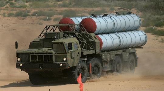 Nga vừa triển khai hệ thống phòng không S-300 tới Syria. Ảnh: SPUTNIK