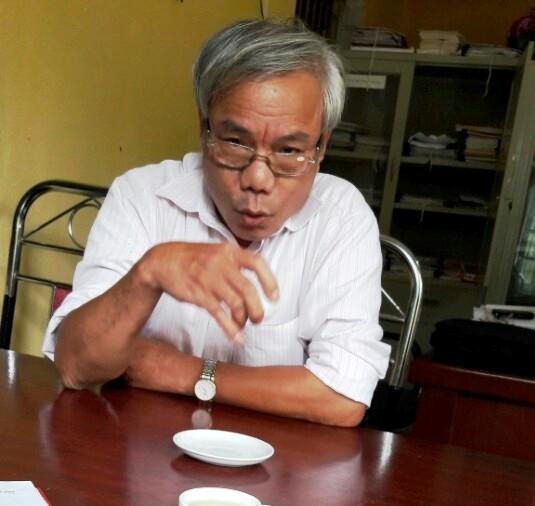 Ông Phan Văn Lưu, Hiệu trưởng trường tiểu học Quảng Long trả lời PV