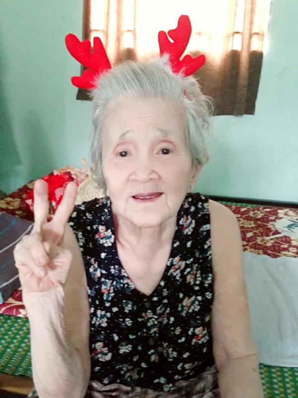 Bà ngoại đáng yêu nhất năm: 88 tuổi nhưng phải được gọi bằng công chúa mới chịu ăn - Ảnh 3.