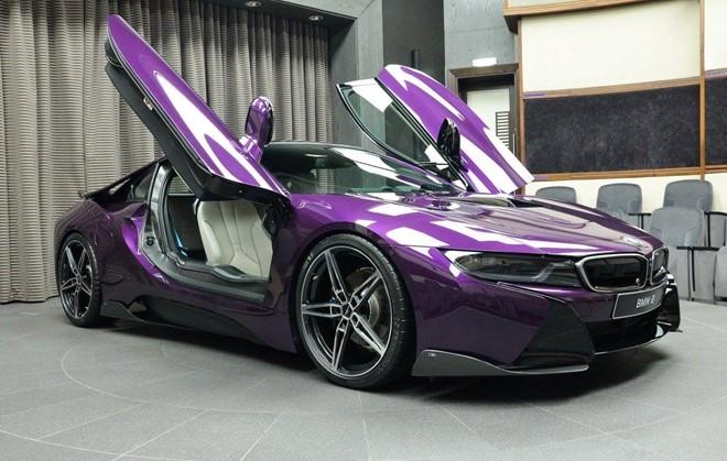 BMW i8 do chinh hang mau doc tai Abu Dhabi hinh anh 3