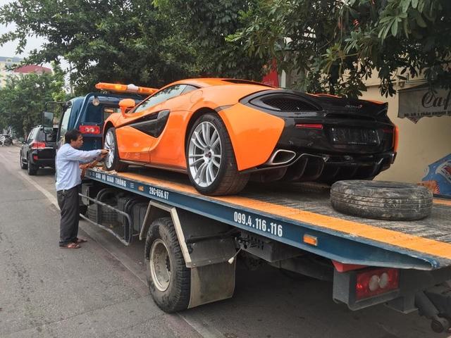 Sau 1 tháng cày nát các tuyến phố Hà thành siêu xe McLaren 570S được cho Nam tiến.