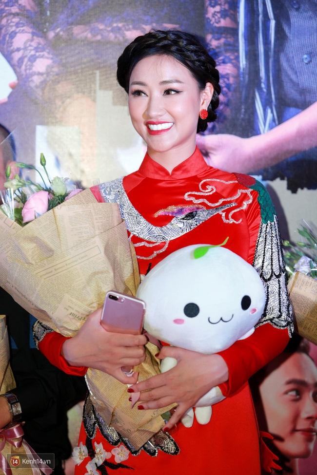 Maya, Nhã Phương rạng rỡ tại họp báo Sài Gòn Anh Yêu Em - Ảnh 1.