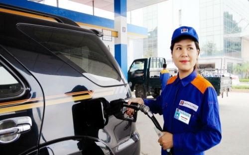 Mua mỗi lít xăng phải trả 8.800 đồng tiền thuế phí vì cách tính mới