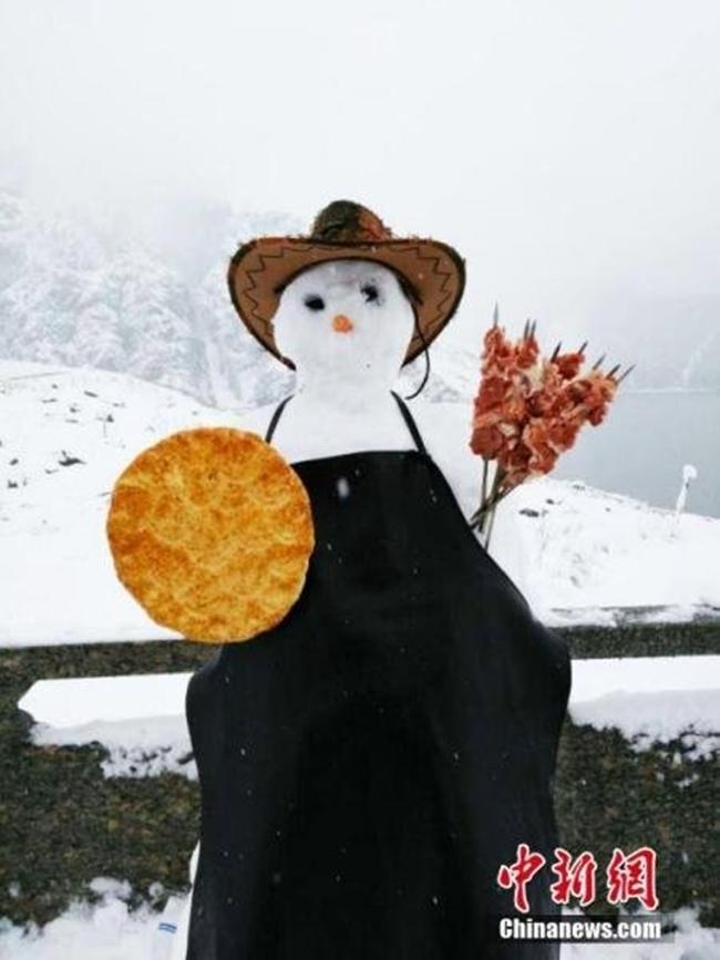 Trung Quốc: Những trận tuyết đầu mùa đẹp đến nao lòng - Ảnh 13.
