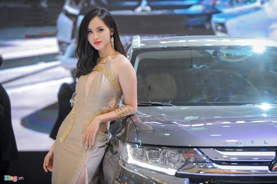 Dan chan dai tai Vietnam Motor Show 2016 hinh anh 5