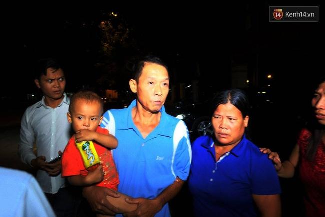 Vụ bé trai bị tôn cứa cổ: Gia đình đón người lái xích lô về nhà - Ảnh 5.