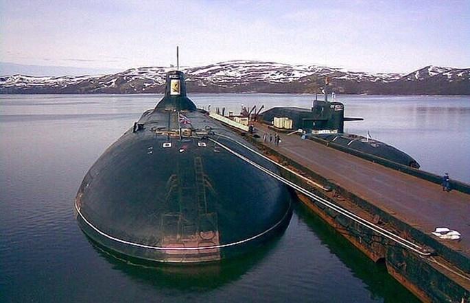 Xem tàu ngầm lớn nhất thế giới của Nga xuyên mặt băng phóng tên lửa - ảnh 3