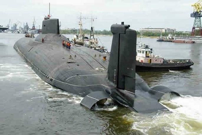 Xem tàu ngầm lớn nhất thế giới của Nga xuyên mặt băng phóng tên lửa - ảnh 4