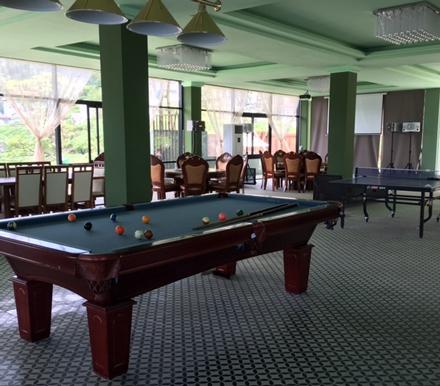 Bên cảnh phòng hát Karaoke là khu vực sân chơi thể thao Bi- a, bóng bàn.