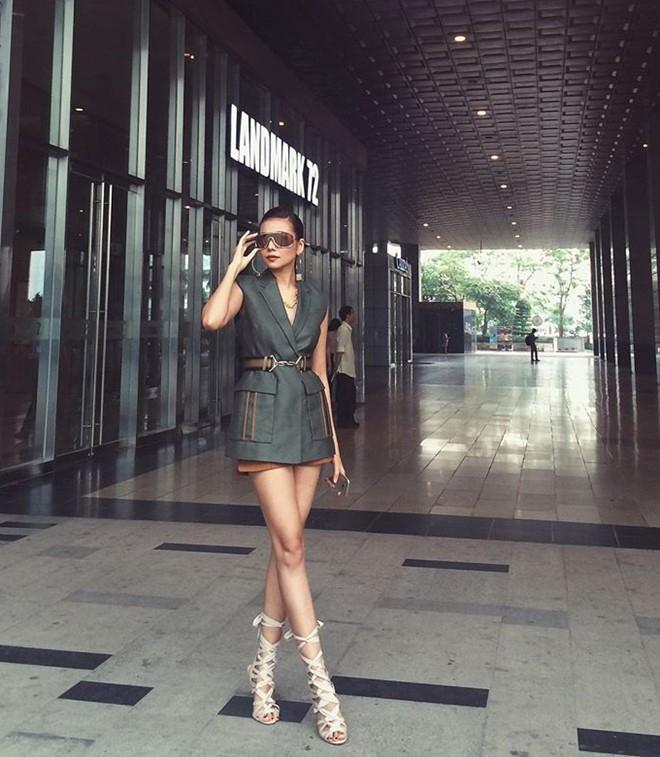 Bo suu tap blazer don thu cua Thanh Hang hinh anh 6