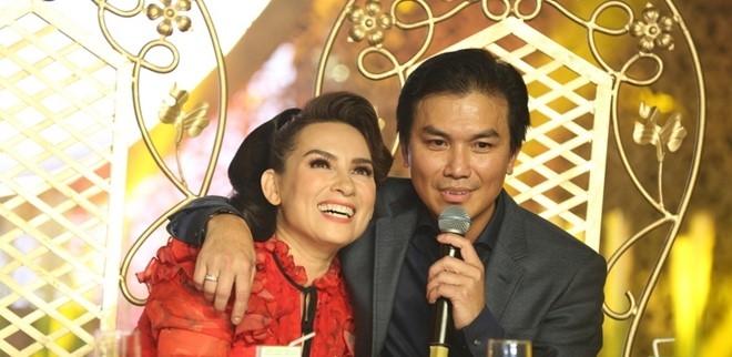 Manh Quynh: 'Phi Nhung van om toi truoc mat vo toi' hinh anh 2