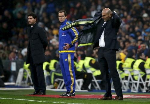 Zidane âu lo với trọng trách dẫn dắt Real Madrid