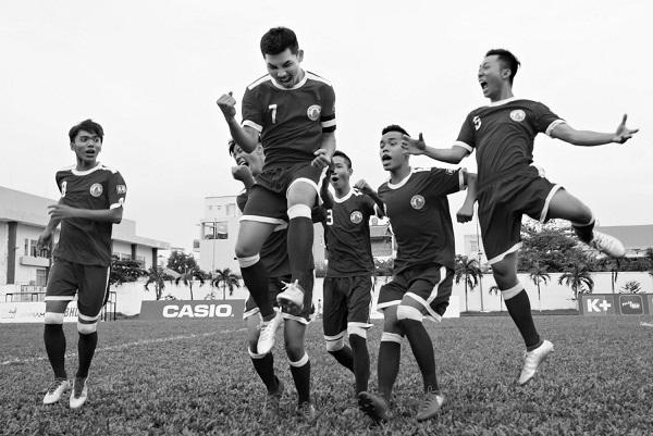 Huyme trở thành cầu thủ bóng đá điển trai trong phim điện ảnh Sút - Ảnh 11.