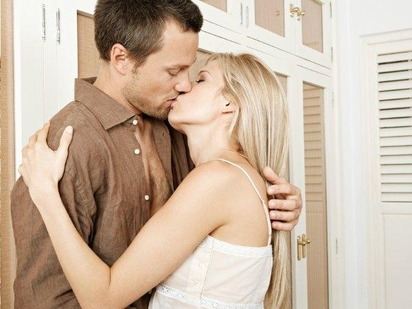 nụ hôn, lý giải, bí mật nụ hôn, cặp đôi, tình dục, tình yêu, tình cảm, con người