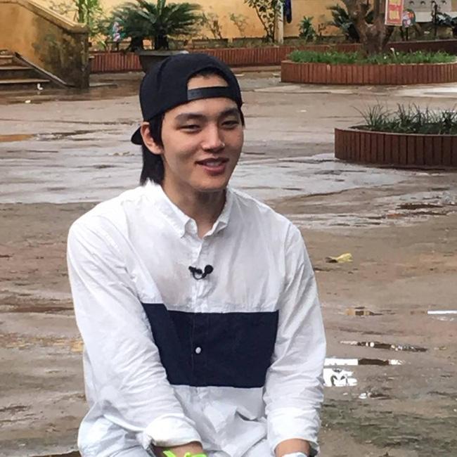 Sao nhí một thời Yeo Jin Goo điển trai, giản dị xuất hiện tại một trường học ở tỉnh Quảng Trị - Ảnh 3.
