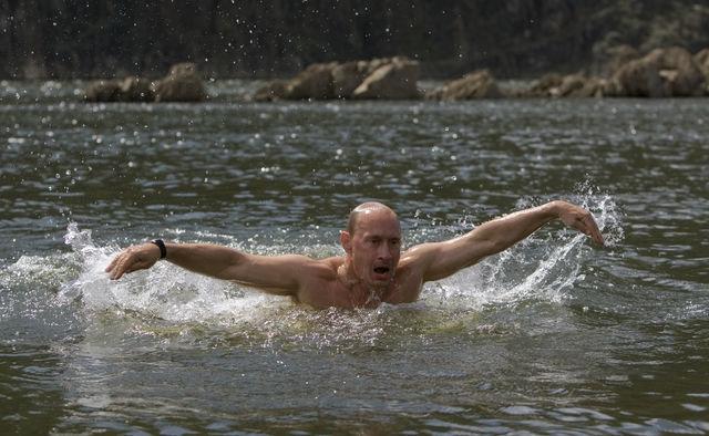 Tổng thống Putin đón sinh nhật lần thứ 64 ra sao?