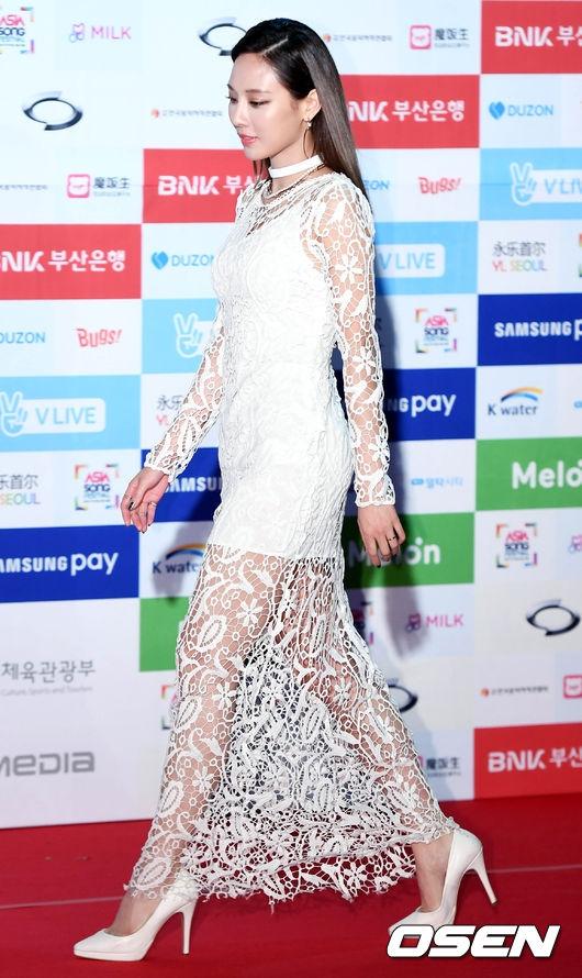 Noo Phước Thịnh cực ngầu bên dàn thần tượng đình đám xứ Hàn trên thảm đỏ Asia Song Festival 2016 - Ảnh 5.