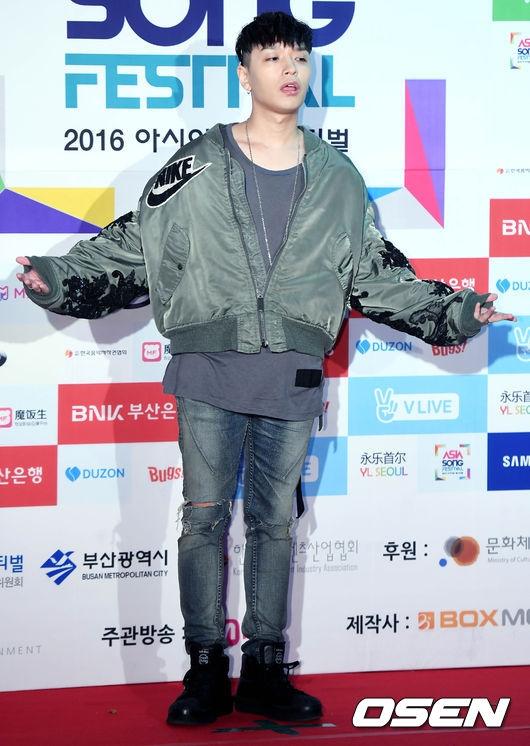 Noo Phước Thịnh cực ngầu bên dàn thần tượng đình đám xứ Hàn trên thảm đỏ Asia Song Festival 2016 - Ảnh 24.