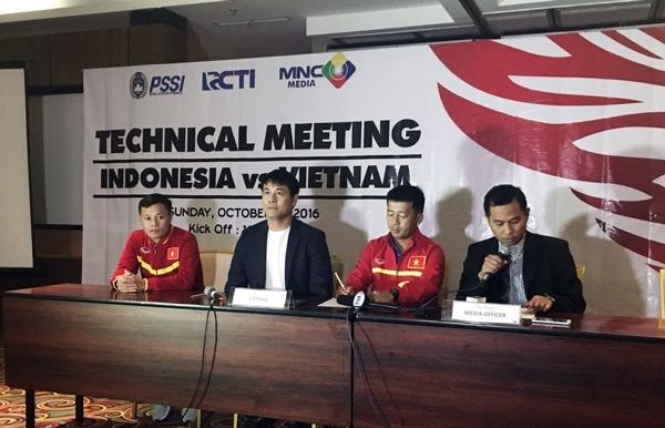 Công Vinh, Thành Lương, HLV Hữu Thắng, HLV A.Riedl, tuyển Việt Nam, giao hữu Indonesia- Việt Nam