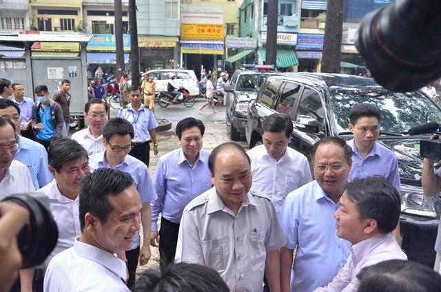 Thủ tướng Nguyễn Xuân Phúc đã ghé thăm siêu thị Co.op mart Lý Thường Kiệt