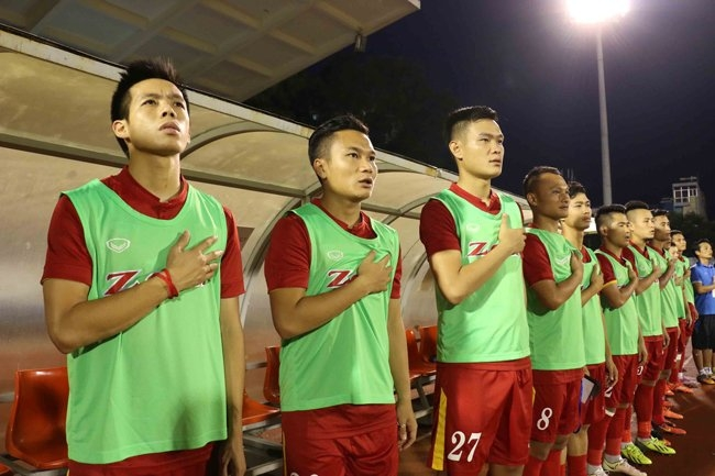 Giao hữu đội tuyển Việt Nam, trực tiếp Việt Nam - Indonesia, HLV Hữu Thắng, Công Phượng, Công Vinh
