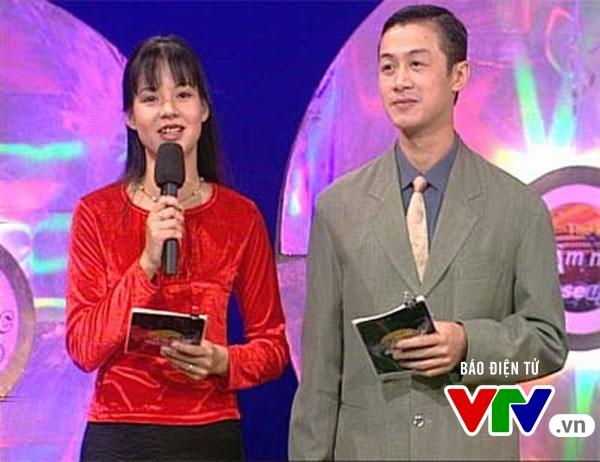 Ảnh độc cách đây hơn 10 năm của bộ đôi MC Anh Tuấn - Diễm Quỳnh - Ảnh 1.