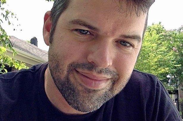 Matt Stone, 37 tuổi, sau 4 năm tặng tinh trùng miễn phí, khẳng định có tới 100 con