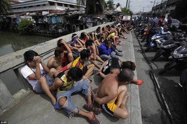 Chùm ảnh: Hơn 3.700 người đã chết trong cuộc chiến chống tội phạm ma túy ở Philippines - Ảnh 2.
