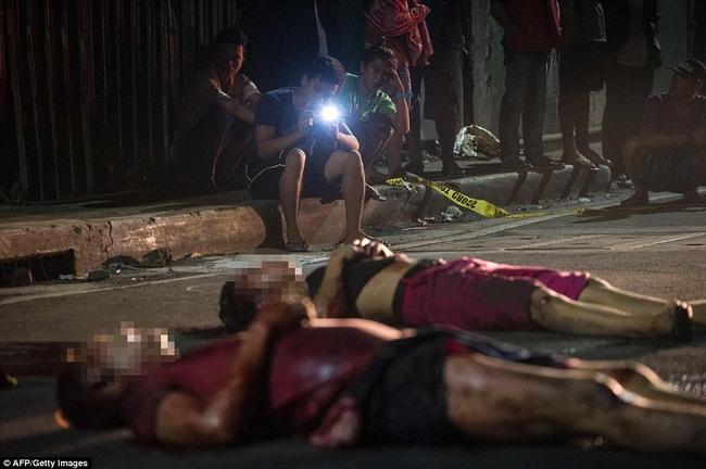 Chùm ảnh: Hơn 3.700 người đã chết trong cuộc chiến chống tội phạm ma túy ở Philippines - Ảnh 9.