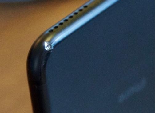 iPhone 7 Plus Jet Black xuoc nang sau 2 tuan su dung hinh anh 2