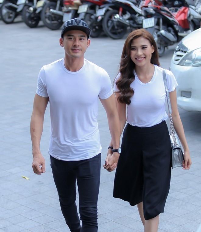 Luong The Thanh tang tui hang hieu cho Thuy Diem hinh anh 2