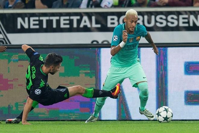 Mourinho am tham 'dam sau lung' Florentino Perez hinh anh 2
