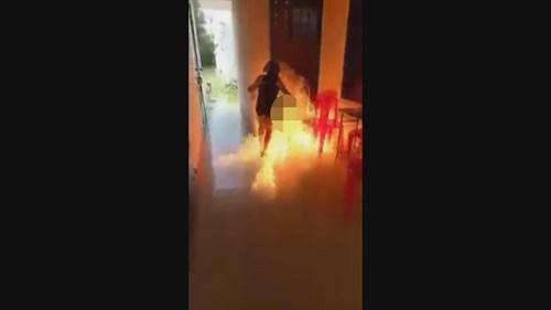 Bé gái đổ xăng đốt trường: 'Em nói đùa, nhưng bị ép làm thật' - ảnh 3