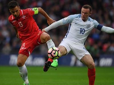 Rooney nói gì khi bị HLV Southgate