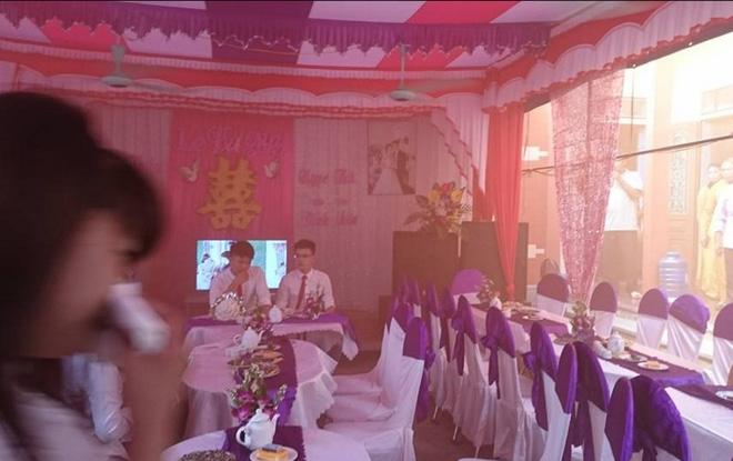 Đám cưới bốc mùi nhất Việt Nam, ai khổ như cô dâu chú rể này? - Ảnh 2.