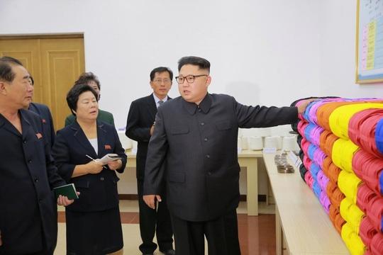 Giải mã lý do ông Kim Jong-un sợ xa nhà
