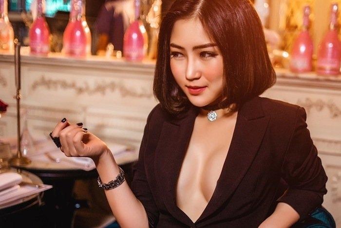 het mot khong noi y, huong tram lai khoe dang nuot voi bikini hinh anh 6