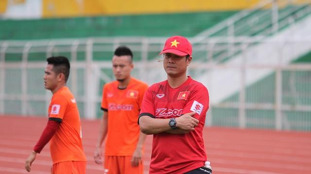 HLV Nguyễn Hữu Thắng phủ nhận chuyện đội tuyển đánh mất bản sắc vì thiếu Tuấn Anh, Xuân Trường (ảnh: Trọng Vũ)