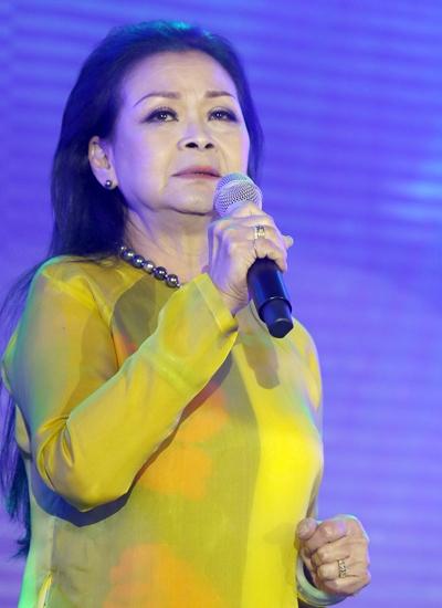 Khánh Ly chia sẻ bà luôn cảm nhận cố nhạc sĩ Trịnh Công Sơn