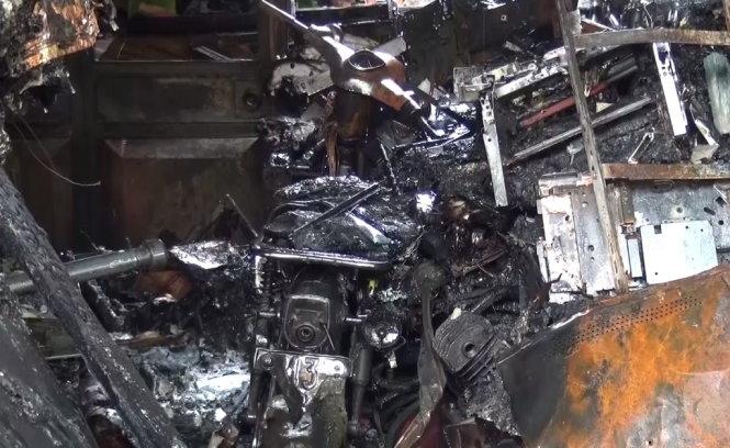 Nửa đêm phá cửa cứu 7 người thoát chết khỏi đám cháy