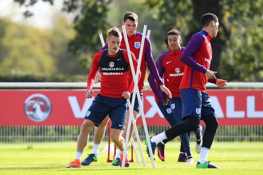 Rooney du bi o tran vong loai World Cup 2018 hinh anh 7