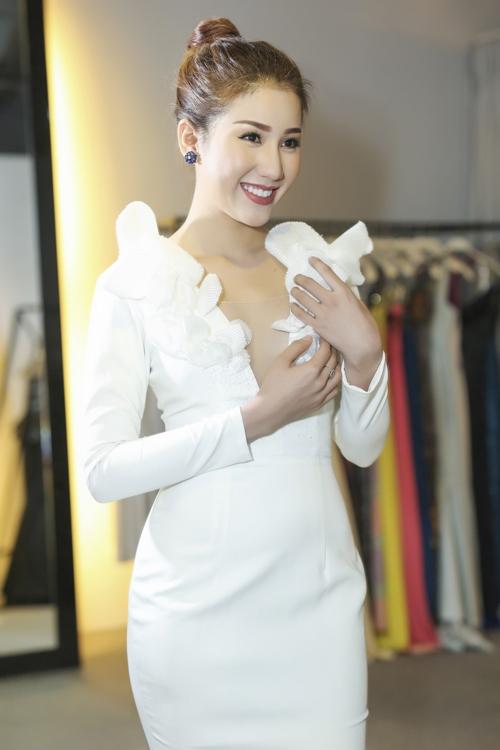 Bảo Như chọn váy thi chung kết Hoa hậu Liên lục địa