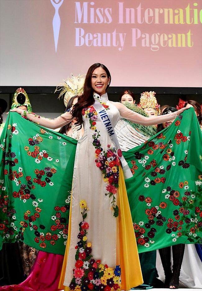 Hot: Chỉ mới bắt đầu, đại diện Việt Nam - Phương Linh đã giành danh hiệu tại Hoa hậu Quốc tế 2016 - Ảnh 3.