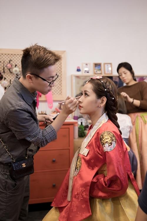 Chi Pu mặc Hanbok chụp ảnh cùng Á hậu Hàn Quốc