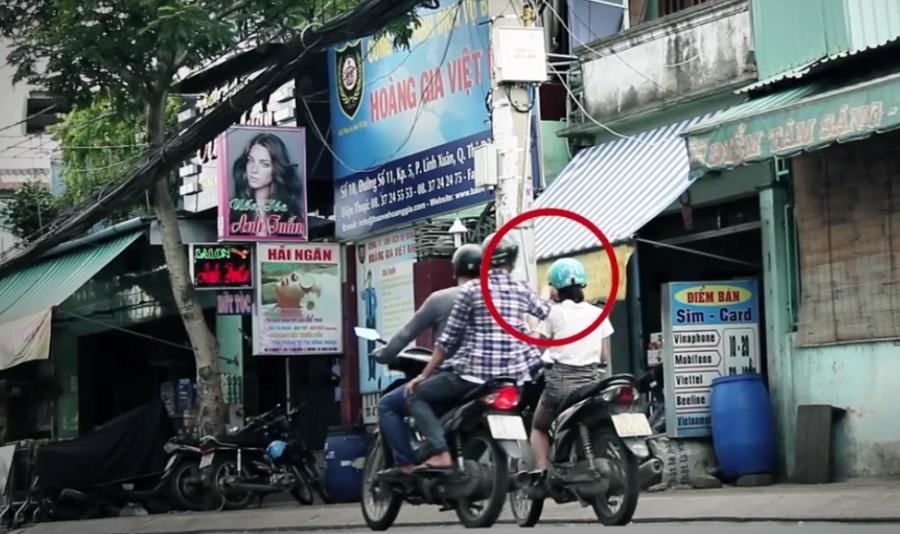 Kết quả hình ảnh cho Dí dao cướp xe tay ga trên đường Bình Quới