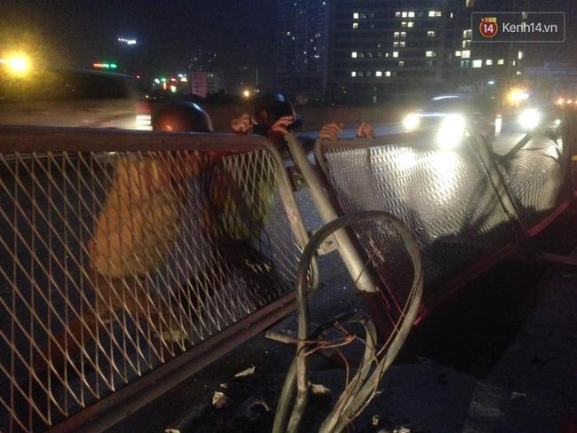 Hà Nội: Ô tô đối đầu xe máy đi ngược chiều trong hầm Trung Hòa, 3 thanh niên thương vong - Ảnh 7.