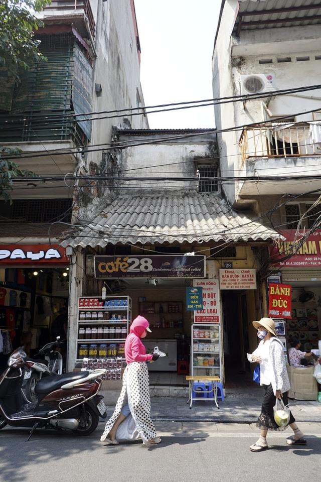 Ngôi nhà mặt tiền tại phố cổ Hàng Bè.