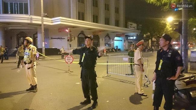 Hà Nội: Cháy quán thịt nướng GoGi House, nhiều người hoảng hốt tháo chạy - Ảnh 5.