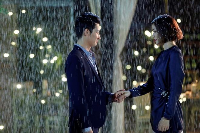 Huy Khanh hon Maya say dam trong 'Sai Gon, anh yeu em' hinh anh 4